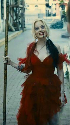 Arlequina Margot Robbie, Margo Robbie, Margot Robbie Harley Quinn, Costume Halloween, Halloween Outfits, Joker And Harley Quinn, Harey Quinn, Beste Gif, Gowns
