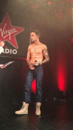When he preformed Strip That Down shirtless. Niall Horan, Zayn Malik, Liam James, Liam Payne, Louis Tomlinson, Rebecca Ferguson, Wolverhampton, Nicole Scherzinger, Harry Styles