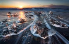 """Open Your Ice"" by Alban Henderyckx."