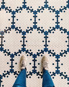 ¡ALTA MARE⚓! Diseño personalizado creado por el estudio @lazarorosaviolan para el @h10imperialtarraco 📸: @catalanvibes #ihavethisthingwithfloors #ihavethisthingwithtiles #mosaicfloor #creativity #mosaico #Hisbalit #ihavethisthingwithtiles #interiordesign #creativity #Colour #LuxuryDesign #EcoMaterial #architecturedesign #archilovers Interiores Design, Kids Rugs, Flooring, Mosaic Floors, Restaurants, Hotels, Home Decor, Mosaics, Studio