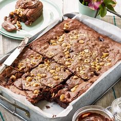 Double hazelnut brownie - in less than 1 hour // Better Homes and Gardens No Bake Brownies, Chocolate Brownies, Brownie Recipes, Chocolate Recipes, Karen Martini Recipes, No Bake Desserts, Dessert Recipes, Pie Crumble, Hazelnut Spread