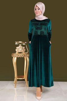 Hiranur İnci ve Taş Detay Kadife Elbise Zümrüt Ürün Kodu: BSF1398-1--> 119.90 TL