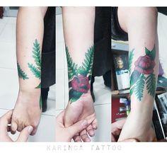 Coverup Tattoo http://instagram.com/karincatattoo #coverup #tattoo #rosetattoo #botanical #tattoos #botanicaltattoo #greentattoo #coveruptattoo #dövme #inked #ink #armtattoo #redtattoo