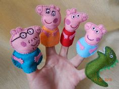 Peppa pig family finger puppets. Felt finger by BBHandcrafts