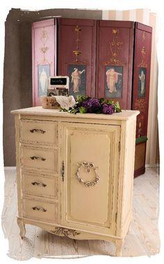 1000 id es sur le th me commodes de style shabby chic sur pinterest poign es de tiroir de. Black Bedroom Furniture Sets. Home Design Ideas