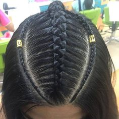 Más de nuestras #bellas #trenzas en #colorin #peluquerias #cucuta #braids #braid #girls #girl #braidsforgirls #treccia #tresses Travel Hairstyles, Holiday Hairstyles, Weave Ponytail Hairstyles, Cute Hairstyles, Long Hair Designs, Concert Hairstyles, Curly Hair Styles, Natural Hair Styles, Toddler Hair