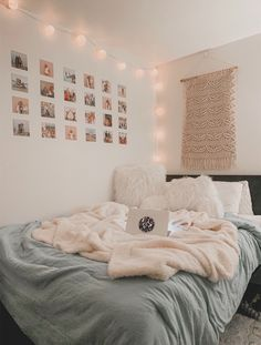 decor simple to decor bedroom with plants bedroom decor bedroom decor bedroom decor decor rose gold decor zen decor for birthday Cute Room Ideas, Cute Room Decor, Teen Room Decor, Modern Room Decor, Tumblr Room Decor, Easy Diy Room Decor, Tumblr Bedroom, Modern Bedroom, Home Decor