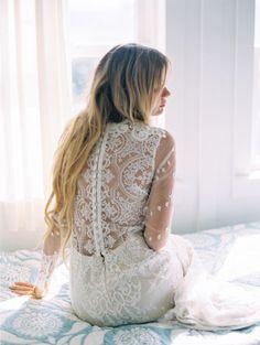 gorgeous lace back wedding dress