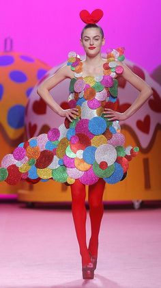 AGATHA RUIZ DE LA PRADA Paper Fashion, Fashion Art, Runway Fashion, Fashion Show, Fashion Design, Fashion Styles, Weird Fashion, Colorful Fashion, Designer Tights