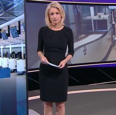Dionne Stax looked beautiful in her LaDress LBD while presenting Nieuwsuur. See more > http://ladress.com/nspic.twitter.com/ugVZPv15RV
