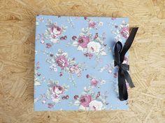 Álbum Quadrado :: Floral Azul & Preto #encadernação #cadernoartesanal #feitoamao #bookbinding #handmade #papelaria #album #foto #albumdefotos #fotografia