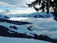 laurenzgoris:  The Apocalyps is nog, heavy fog  in Austria today #snowboarding #gopro #fog #austria #burton  (bij Activ Sunny Hotel Sonne)