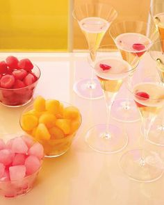Prosecco bar with iced juice cubes party drinks bar party ideas party fun juice party idea pictures juice cubs party food arty favors (pink party drinks) Party Drinks, Cocktail Drinks, Fun Drinks, Yummy Drinks, Beverages, Mocktail Bar, Orange Cocktail, Pink Cocktails, Birthday Drinks