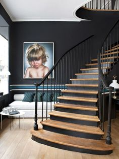 Painted staircase ideas which make your stairs look new 19 Black Staircase, Wood Staircase, Stair Railing, Staircase Design, Staircase Ideas, Interior Stairs, Interior Architecture, Interior Design, Stairs Architecture