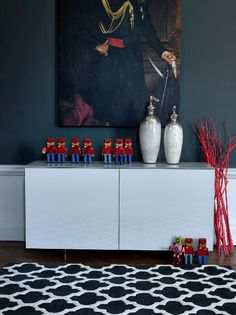 Cattelan Futura Sideboard, Silver Snow Vases and artisan charcoal geometric rug #fishpools