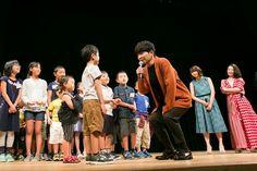 映画「未来のミライ」親子試写会で子供の質問に答える星野源。 [画像ギャラリー 1/5] - 音楽ナタリー