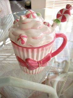 Pink & White Cupcake Sundae ceramic mug with lid & spoon SO PRETTY!  Brand New. - the cutest mug ever!