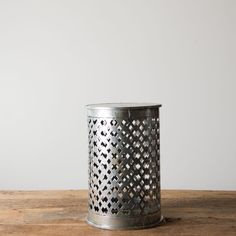 Metal Pedestal multi style, I imagine this with a lanp inside..