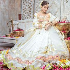 Beautiful Dress Designs, Stylish Dress Designs, Stylish Dresses, Beautiful Dresses, Casual Dresses, Pakistani Wedding Outfits, Pakistani Dresses, Black Bridal Dresses, Wedding Dance Video