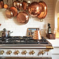 We love how copper pots act as pops of color in her kitchen! Such a creative way to hang such unique pots and pans. Tap the link in our bio to see how copper can work as accent pieces around your entire home! Kitchen Pantry, Kitchen Dining, Kitchen Decor, Kitchen Appliances, Decorating Kitchen, Interior Decorating, Ikea Inspiration, Copper Pots, Copper Kitchen
