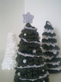 Ravelry: Merry Christmas Tree by A la Sascha...These little trees are so festive that I must make several of them!.. Thanks for sharing your pattern!!