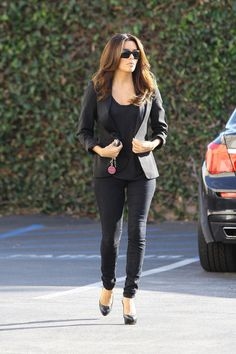 An All Black Outfit. Can Never Go Wrong With This!