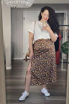 Curvy Girl Outfits, Curvy Girl Fashion, Plus Size Outfits, Plus Size Fashion, Curvy Girl Style, Printed Skirt Outfit, Leopard Skirt Outfit, Fashion Tights, Skirt Fashion