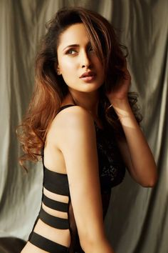 Pragya Jaiswal actress beauty image gallery cute and hot and bollywood item Indian model unseen latest very beautiful and sexy wedding selfi. Female Modeling Poses, Female Models, Beautiful Bollywood Actress, Beautiful Indian Actress, Beautiful Actresses, Hottest Pic, Hottest Photos, Girl Pictures, Girl Photos