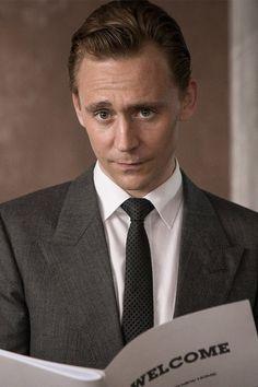 Tom Hiddleston as Dr. Robert Laing in High-Rise. Full size image: http://ww4.sinaimg.cn/large/6e14d388gw1f164f76oimj21kw0w04ei.jpg Source: Torrilla, Weibo