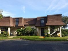 Charming 1 bedroom, 1 bathroom condo in Magnolia Valleys 55 and older community. This condo is well maintained, move in ready, and priced to sell with very low HOA fees. #floridarealestate #realestateforyou #forsale #newportrichey