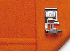 Volete un orlo invisibile? Non importa lo spessore del tessuto, la guida regolabile del piedino assicura che l'ago penetri solo in una o due fibre del bordo. Regolate la guida per eseguire surfilatura di precisione, orlatura o pieghettatura. Cufflinks, Fiber, Wedding Cufflinks