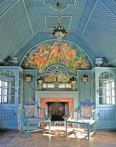 Grand treillage tea house interior by Elsie de Wolfe herself at Coe Hall on the grounds of the Planting Fields estate on the North Shore of Long Island. What fun this room is! Certainly not the epitome of good taste, but cool! Elsie De Wolfe, Trianon Versailles, Color Harmony, Interior Decorating, Interior Design, Parcs, Icon Design, Design Design, Room Inspiration