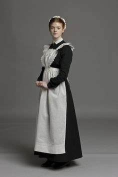 I really like this costume design for Merriman. I would not change anything exce… - Edwardian Fashion Maid Outfit, Maid Dress, Style Édouardien, Victorian Maid, Maid Cosplay, Maid Uniform, Edwardian Fashion, Downton Abbey, Costume Design