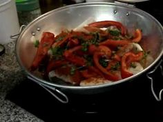 CATAPLANA DE PEIXE - YouTube Food Videos, Make It Yourself, Ethnic Recipes, Youtube, Angler Fish, Pisces, Recipes, Chicken, Seafood