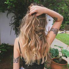 """Giovanna Ferrarezi no Instagram: """"A nova loira do Tchan, é Giva ✨Obrigada @waltermleal por me deixar maravilhoooousa """""""