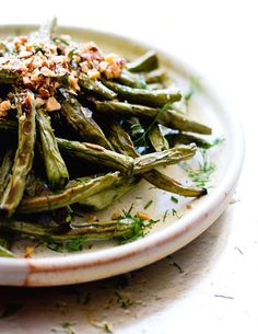 5 Ingredient Roasted Green Beans with Crushed Almonds {gluten-free, vegan}