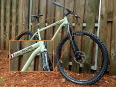 Magnifica bicicleta de Freeride con un detalle que marca la diferencia!