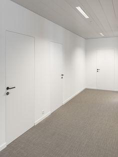 Project: Astrea Den argenta® invisidoor® is eentje waarneembaar aluminium kad& Door Design Interior, Home Room Design, Porte Design, Flush Doors, Modern House Design, House Rooms, Sliding Doors, Minimalism, Decoration