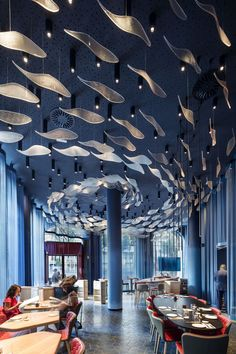 ♂Fish and ocean blue another restruant with the striking design ceiling. - ♂Fish and ocean blue another restruant with the striking design ceiling. ♂Fish and ocean blue another restruant with the striking design ceiling. Decoration Restaurant, Restaurant Interior Design, Cafe Interior, Design Hotel, Interior And Exterior, Kitchen Interior, Restaurants In Paris, Barcelona Restaurants, Light Design