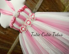 Blumenmädchen Kleid TutuKleid in Elfenbein und von TutieCutieTutus