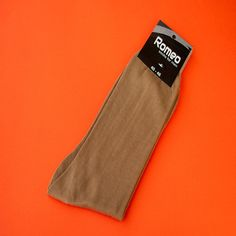 This is among the best Mens socks / cool socks / cotton socks. Quality men socks made of cotton that you could wear every day. cotton and elastan. Get Fresh, Cotton Socks, Cotton Fabric, Beige, Cool Stuff, How To Wear, Men, Fashion, Taupe