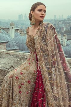 Samarkand Bridal Wear Collection 2018 by Sania Maskatiya – Niftilicious Asian Wedding Dress, Wedding Dresses For Girls, Bridal Wedding Dresses, Bridal Outfits, Wedding Wear, Wedding Bells, Pakistani Couture, Pakistani Wedding Dresses, Pakistani Outfits