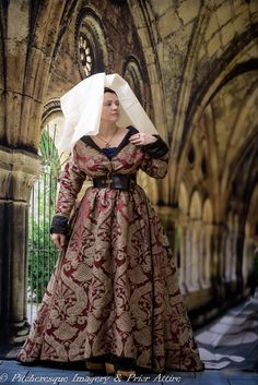 Burgundian gown in  silk damask, lined with silk, by Prior Attire