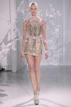 Iris Van Herpen Spring 2013  | Iris van Herpen - Haute Couture Fall Winter 2011/2012 - Shows - Vogue ...
