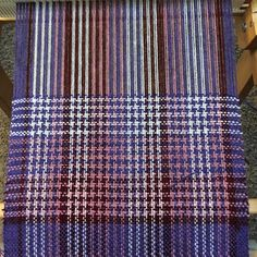*****Instant Download***** This listing is for a PDF pattern instant download only You wont get bored weaving this scarf! The houndstooth-like pattern is created by threading alternating dark and light threads in the warp, and weaving alternating dark and light threads in the weft.