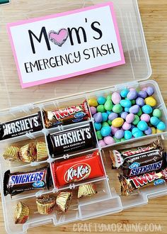 Mothers Day Crafts For Kids Discover Tackle Box Moms Emergency Candy Stash Moms emergency candy stash- tackle box fishing organizer! Diy Birthday Gifts For Mom, Easy Diy Mother's Day Gifts, Diy Gifts For Christmas, Cute Mothers Day Gifts, Diy Mother's Day Crafts, Homemade Mothers Day Gifts, Mothers Day Crafts For Kids, Mothers Day Presents, Mother's Day Diy