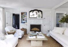 9 Ways To Brighten Up Your Living Room Set With A White Sofa | Modern Sofas. Velvet Sofa. Interior Design. Home Decor. #interiordesign #modernsofas #homedecor Read more: http://modernsofas.eu/2016/12/06/ways-brighten-living-room-set-white-sofa/