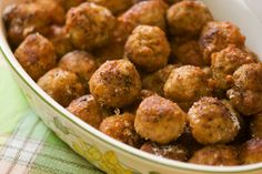 Beer meatballs - This slow cooker appetizer recipe is great for entertaining and so easy to make.