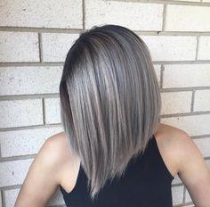 rooty grey Stop Grey Hair, Grey Hair Bob, Gray Hair Women, Ash Blonde Bob, Brown Blonde, Blonde Brunette, Black Women, Medium Hair Styles, Curly Hair Styles