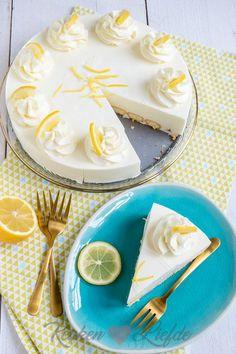 Limoncello kwarktaart met lange vingers Limoncello, Cake Cookies, Cupcake Cakes, Baking Recipes, Cake Recipes, Pistachio Cake, Bowl Cake, Sweet Pie, Sweet Sweet